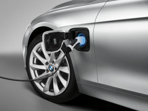 BMW 330e PHEV charging from the grid
